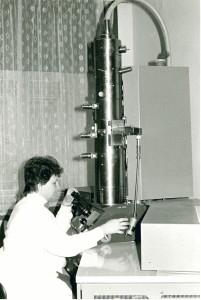 KMM Elektronový mikroskop